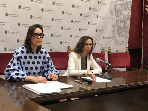 María Francés y Rocío Díaz, en rueda de prensa.