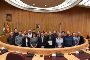 Entrena, junto a alcaldes y alcaldesas de la provincia.