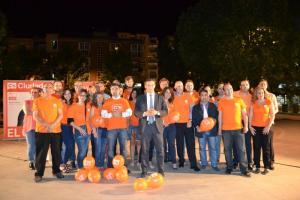 Luis Salvador, en el centro, rodeado de la candidatura que lidera.