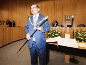José Entrena, investido presidente de la Diputación de Granada.