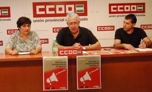 Flores, con otros representantes del sindicato, en una imagen de archivo.