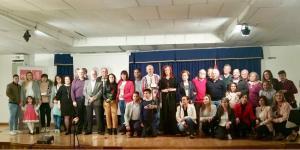 Foto de familia de los asistentes al acto de homenaje del PSOE de Lanjarón.
