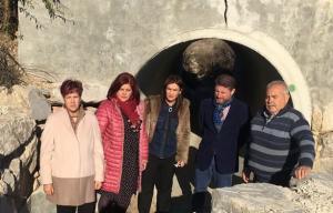Los representantes del Grupo Parlamentario Socialista en su visita a Valderrubio.