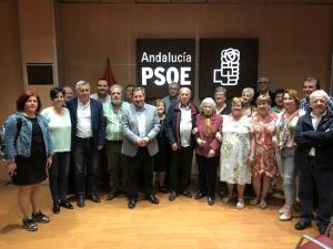 Los socialistas arropan a la familia de Manuel Yudes López.