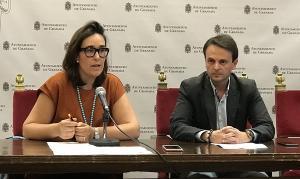 Juan Antonio Fuentes, en una rueda de prensa este jueves con María Francés.