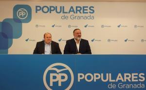 José Antonio Robles y Pablo García, este martes en rueda de prensa.