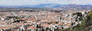La capital granadina es el municipio andaluz en el que concurren más candidaturas a las elecciones municipales de este domingo.