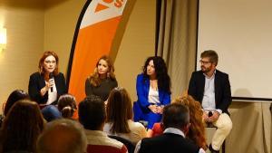 Fran Hervías con Mar Sánchez, Patricia Reyes y Rocío Ruiz.