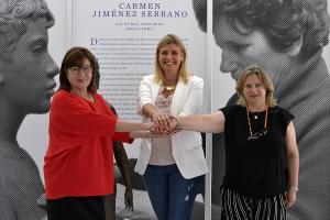 Inmaculada Hernández junto a Rosa Gamero y Gema González.