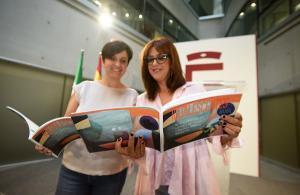 Irene Justo y Mercedes Garzón en la presentación de la guía.