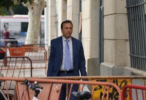 El presidente del tribunal que ha juzgado los ERE, a su llegada a los juzgados del Prado.
