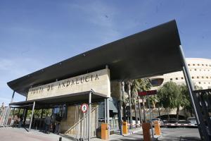 Edificio de Torretriana, que alberga, entre otras, Educación y Turismo.