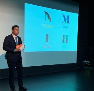 Luis Salvador, en la presentación del  segundo bloque temático de su programa.