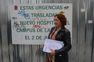 María del Carmen Pérez, este jueves en el Hospital de Traumatología.