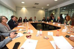 Primera reunión del pacto provincial.