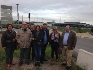 Cargos y candidatos del PP, este viernes frente al Nevada.