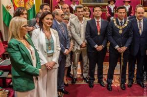El alcalde, flanqueado por Francisco Cuenca y Sebastián Pérez.
