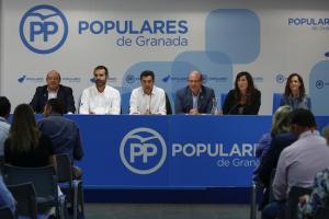 El presidente del PP-A, Juan Manuel Moreno, en Granada.