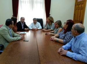 Un momento de la reunión con el alcalde de Huéscar.
