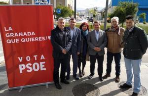 Los socialistas junto a los secretarios provinciales de CCOO y UGT.
