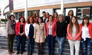 Adriana Lastra con mujeres socialistas.