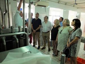 El grupo parlamentario socialista durante su visita a Los Pastoreros.