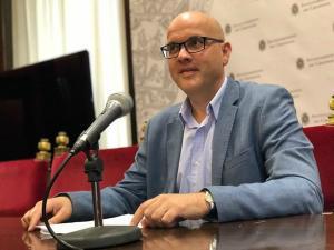 Raúl Fernández.