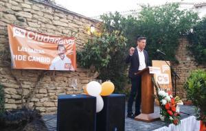 Luis Salvador durante la presentación del candidato de Las Gabias.