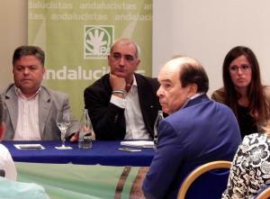 Funes (izquierda) recibió el respaldo del líder de su partido.