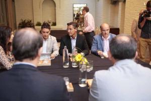 Luis Salvador en la reunión de esta mañana con representantes del PP.