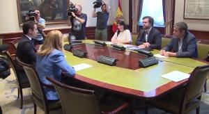 Reunión de los representantes de Vox y PP para abordar pactos.
