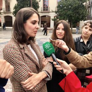 Rita Maestre y Ana Terrón, este lunes en Granada.