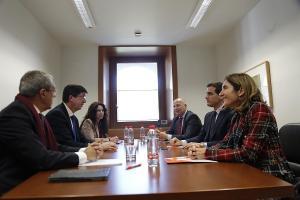 Albert Rivera con Juan Marín y los consejeros de Cs, en el Parlamento.
