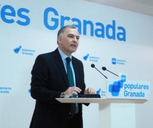 Santiago Pérez se encargará de la coordinación grupo-partido.