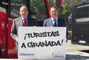 Trinitario Betoret y Sebastián Pérez el día en el que anunció su incorporación a la lista.