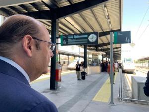 Sebastián Pérez, este martes en la estación de Granada.