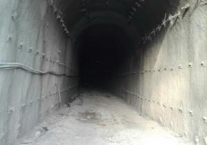 Interior del túnel de Loja, durante las obras, por el que discurrirá el AVE.