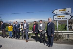 Representantes de la Junta, la Diputación y de los municipios de la variante en su visita a la zona.