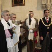 Un momento del ceremonial en la Capilla Real.