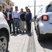 En su visita a Maracena criticó las obras del Metro.