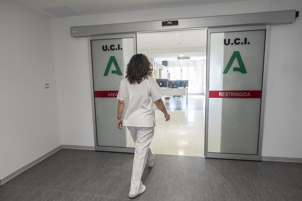 Dependencias de la UCI acondicionada en el Centro Doctor Olóriz, antiguo Clínico.