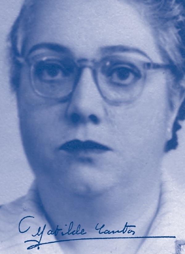 Matilde Cantos, en una imagen que incluye su firma.