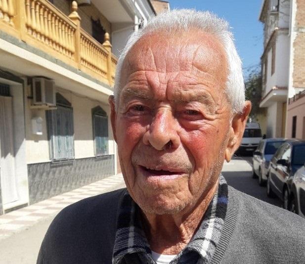 Antonio García Ordóñez ha cumplido ya 93 años y vive actualmente en El Salar, cerca de Loja.