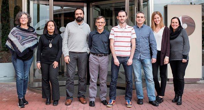 De izquierda a derecha, Núria Malats, Latifa Bakiri, Diego Megías, Paco Real, Isidoro Cobo, Irene Millán e Irene Felipe.