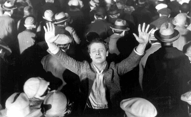 Fotograma de 'The Crowd' (1928), dirigido por King Vidor.