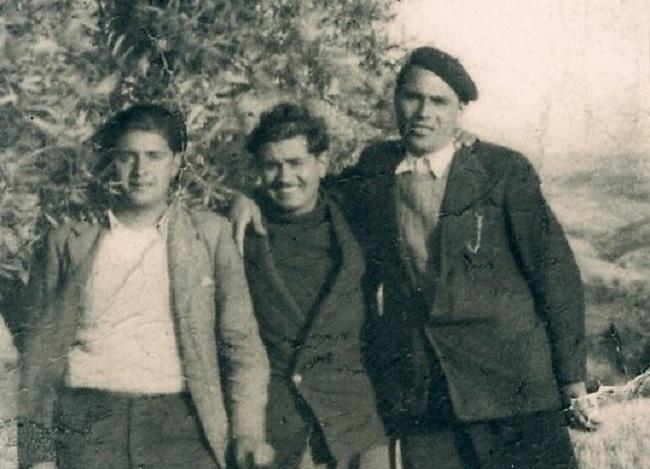 Francisco, Pepe y Antonio Quero. En un imagen tomada en los pinares de la silla del Moro sobre verano u otoño de 1943.