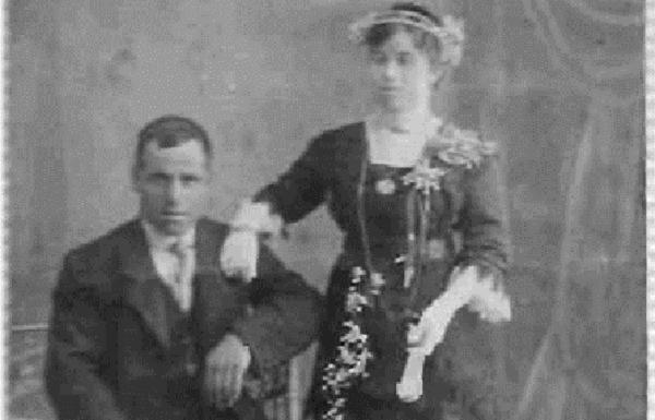 Manuel Rodríguez Gámez y Resurrección Román Serrano, en la única fotografía que conserva la familia.