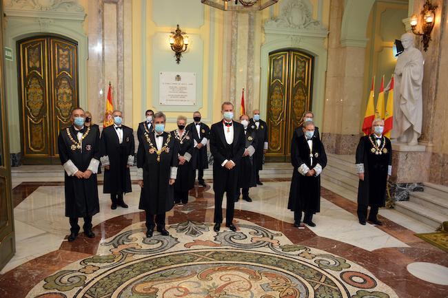 El rey con la Sala de Gobierno del Tribunal Supremo.