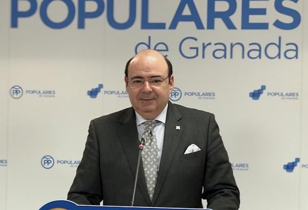 Sebastián Pérez, en una de las ultimas rueda de prensa como presidente provincial del PP.