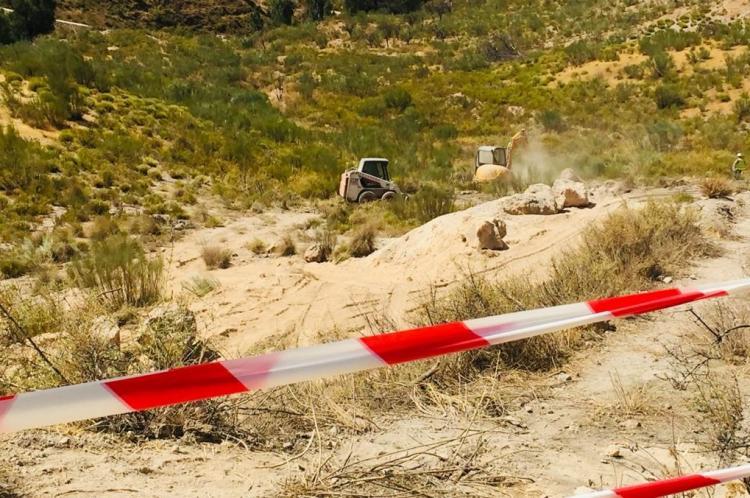 Las excavadoras operaban este jueves sobre el terreno.